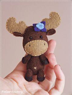 Feutre Moose poche broche poupée trousseau aimant peluche de totem