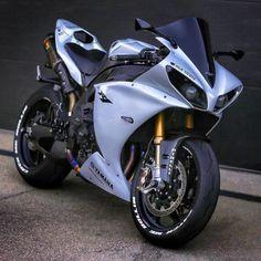 L'image contient peut-être : moto Super custom sport bike motorbikes 47 ideas Must watch. Tag The Owner. R1 Bike, Moto Bike, Custom Street Bikes, Custom Sport Bikes, Yamaha Motorcycles, Yamaha Yzf R1, Yamaha R1 2010, Motorcycle Outfit, Motorcycle Bike