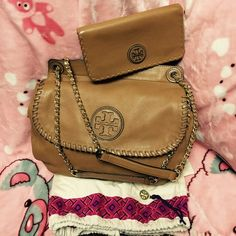 Tory Burch Authentic Tory Burch Set, used only 3X still look like New. Tory Burch Bags Shoulder Bags