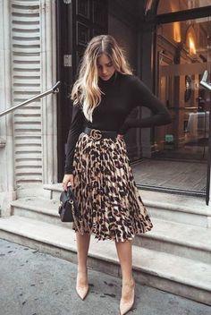 14 maneiras de usar a blusa favorita da vez How to Wear a Turtleneck: 14 Unusual Ways To Bet On The Trend Of The Time! 14 maneiras de usar a blusa favorita da vez Mode Outfits, Casual Outfits, Fashion Outfits, Womens Fashion, Fashion Trends, Night Outfits, Fashion 2020, Office Outfits, Classy Outfits