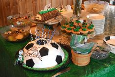 soccer theme birthdayparty for Soccer Theme, Birthday Cake, Birthday Parties, 10 Year Old, Food, Healthy, Anniversary Parties, Birthday Cakes, Birthday Celebrations