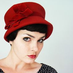 I LOVE this site...cute vintage hats, clothes and accesories..to boot!