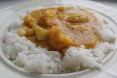 Curry s květákem a červenou čočkou recept - TopRecepty.cz