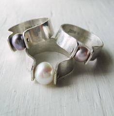 Pearl Jewelry, Jewelry Rings, Jewelery, Silver Jewelry, Baby Jewelry, Craft Jewelry, Silver Bracelets, Silver Earrings, Bijoux Design