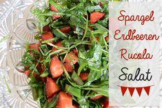 Alles in eine Schüssel geben und mit Olivenöl und Balsamicoessig abmachen - nach Belieben würzen und fertig ist der bunte Spargel Erdbeer Rucola Salat ...