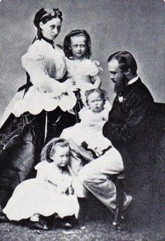 Alice and Ludwig with their three eldest daughters, Princess Victoria (with Alice), Princess Irene (with Ludwig), and Princess Elisabeth.