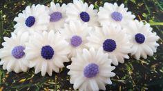 Edble Fondant Daisies-Purple & Lavender Daisies-Fondant Cupcake Toppers-Edible Flowers-Wedding Flowers