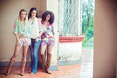 Blusa Malaga / Short Resort Estampado - Bata Gypsy / Cachecol Rendas / Calça Jeans Flare - Camisa Sublime Estampado II / Short Sublime Estampado II - Madame Show