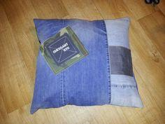 Kussen van oude broeken