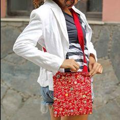 Bolsa Transversal Natividade Vermelha :: Feita pelas artesãs do grupo de bordadeiras chamado Bordados N'atividade