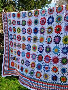 Circle blanket..... This site  has a great tutorial for learning how to make a granny `square`.... great for beginners.