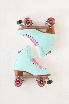 Moxi Beach Bunny Roller Skates I love the kawaii pastel colors on these roller skates. I wish I had not thrown away my roller skates when i moved, but these are a way better color than what I had. Roller Disco, Roller Skate Shoes, Roller Skating, Beach Bunny, Wedge Wedding Shoes, Wedge Shoes, Shoes Sandals, Converse Shoes, Shoe Wedges