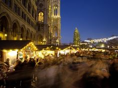 Every year you are millions of travellers to view this ranking and hundreds of thousands to vote for your favourite Christmas markets in Europe. Discover your selection of the best destinations for perfect Christmas holidays! Vienna Christmas, Christmas Holidays, Best Christmas Markets Europe, Amazing Destinations, Big Ben, Barcelona Cathedral, Marketing, Travel, Christmas Vacation