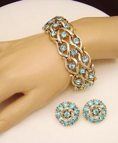 Vintage signed LISNER Bracelet and Earrings blue rhinestones. $30.00, via Etsy.