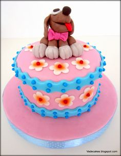 Dog cake by Vadecakes.
