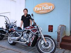 2012年8月19日ご来店  Harley VRSCAW  V-ROD