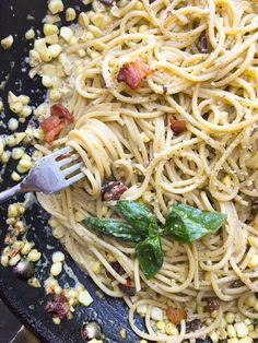 Creamy Corn Basil Pasta studded with crispy bacon. Find the recipe on…