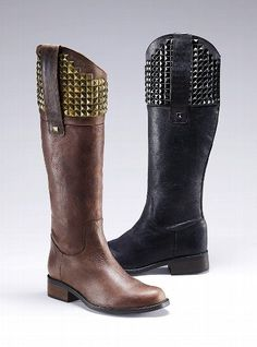 Must have brown boots!