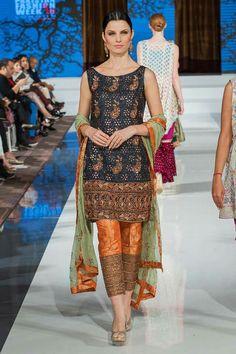 Sarah Pakistani Formal Dresses, Pakistani Party Wear, Pakistani Wedding Outfits, Bridal Outfits, Indian Dresses, Indian Outfits, Ladies Suits Indian, Indian Designer Suits, Desi Clothes