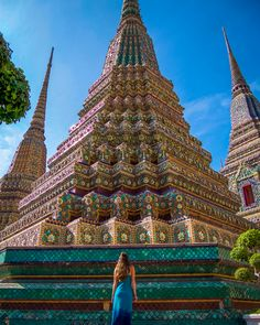 Wat Pho - Bangkok, Thailand. Read our temple guide to discover the 3 temples you can't miss while in Bangkok on go4theglobe.com