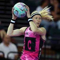 Trans-Tasman final to decide title The Ferns will meet Australia in the final of the Netball World Series after keeping a clean sheet through the round robin in Auckland on Sunday. Silver Fern, Netball, World Series, Auckland, Ferns, Finals, Robin, Sunday, Meet