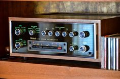 McIntosh C32 Preamp Fi Car Audio, Hifi Audio, Audio Vintage, Speaker Amplifier, Speakers, Custom Consoles, Wall Of Sound, Hi Fi System, Recorder Music