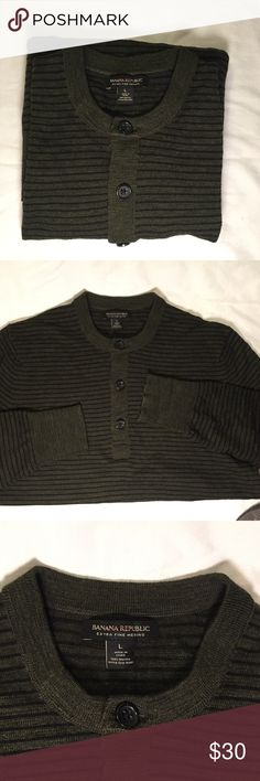 Banana Republic Sweater Olive Green - LRG Banana Republic olive green sweater with black stripes.  Shirt is in excellent condition!  The wrists have elastic and the bottom of the sweater does as well as can be seen in the last photo.          All products* sold by super22saver55 are pre-washed using Tide Pods, Downy Unstoppables, and Oxygen Orange for your convenience.  *Not including NWT products, products made of wool or sports wear.  *Sports wear products are washed with detergent and…