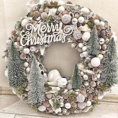 Veja mais no site Christmas Reef, Christmas Advent Wreath, Holiday Wreaths, Christmas Crafts, Holiday Ideas, Rose Gold Christmas Decorations, Xmas Decorations, Mery Crismas, Merry Christmas Images