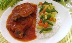 Recette : Côtelettes de porc au four et sa sauce sucrée. Red Sauce, Vinaigrette, Bruschetta, Thai Red Curry, Macaroni, Pork, Lunch, Beef, Chicken