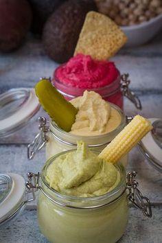 ¿Cómo preparar hummus? Aquí te lo explico. Hummus de garbanzos, de aguacate y de remolacha. #hummus #recetasvegetarianas #garbanzos #recetasfaciles #healthy #veganrecipes #healthysnacks