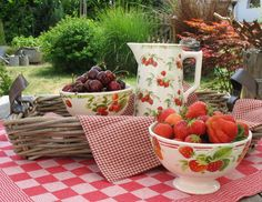 Html, Strawberry, Fruit, Food, Good Food, Table, Summer Recipes, Nice Asses, The Fruit