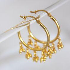 hoop earrings with 3 dangling balls Girls Jewelry, Cute Jewelry, Bridal Jewelry, Jewelry Accessories, Gold Earrings Designs, Gold Hoop Earrings, Baby Earrings, Gold Pendant, Pendant Jewelry