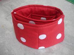 Super prático, esse organizador permite vc usar em bolsas de qualquer tamanho, confeccionada em tecido 100% algodão. <br>Aberta tem 65 cm comprimento.