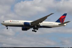 Boeing 777-232/LR aircraft picture