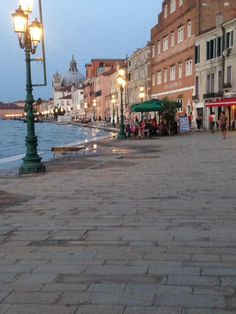 #Venice #Sunset #Grandcanal #travel #weekenders Grand Canal, Venice, Travel Inspiration, Street View, Sunset, Sunsets