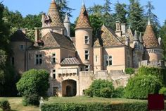 Find a property for sale in France. Search houses for sale in France with Green-acres. Castle Ruins, Castle House, Medieval Castle, Beautiful Castles, Beautiful Buildings, Beautiful Homes, French Castles, Château Fort, Temples