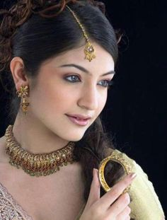 anushka sharma wearing traditional jewellery - Google Search