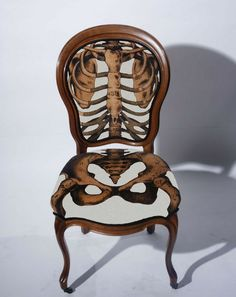 anatomically correct chair that lines up with your bones and organs
