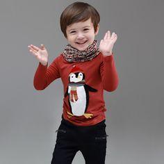 Cungmua - Áo thun cho bé hình chim cánh cụt – Thiết kế xinh xắn đáng yêu in hình chim cánh cụt giúp bé thêm phần dễ thương, nổi bật. Áo tay dài, chất liệu cotton thoáng mát vừa giữ ấm cho bé vừa giúp bé luôn thoải mái. Chỉ 75.000đ cho trị giá 150.000đ