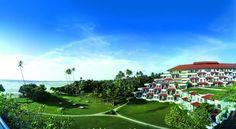 Отель Vivanta by Taj Bentota расположен в 60 км от юга Коломбо, в 2 минутах ходьбы от пляжа. Из отеля Vivanta by Taj Bentota открывается вид на Индийский океан. К услугам гостей отеля — спа-центр, открытый бассейн и 5 ресторанов и баров.  В отеле: 160 номеров. В номерах: мини-бар и принадлежности для приготовления чая/кофе, кабельное телевидение и сейф, сейф, ванная/душ, телефон, балкон, вентилятор...