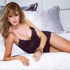 La modelo y presentadora lució un mínimo bikini para la sesión de la revista Soho de este mes. Foto: Instagram @sara_uribe