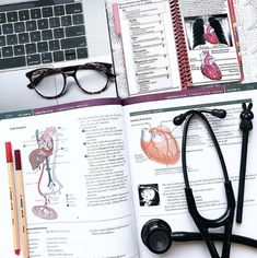 Ideas medical doctor student life for 2019 Medical Students, Medical School, Nursing Students, Nursing Schools, Med Student, Student Life, Nurse Aesthetic, Medical Careers, School Study Tips