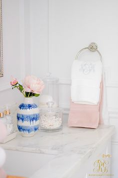 3 Simple Ways to Add Pink to your Home - glam guest bathroom - pink towels 3 Simple Ways to Add Pink Towels, Vintage Towels, Home Diy, Cute Wall Decor, Pink Home Decor, Pink Bedroom Design, Trending Decor, Diy Home Decor, Pink Decor