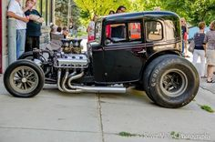 pictures of rat rod trucks Vintage Cars, Antique Cars, Chevy, Old School Muscle Cars, Traditional Hot Rod, Classic Hot Rod, Ford Classic Cars, Drag Cars, Small Cars