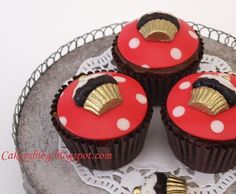 Cupcakes with cupcakes | Flickr - Photo Sharing!