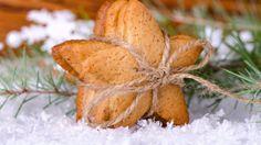 Zázvorky jsou tradiční staročeské vánoční cukroví, které se peče jako první 3-4 týdny před Štědrým dnem.