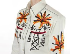 Handmade Western Shirt with Chain Stitch Embroidery. Available for Men and Women in all sizes. Mother-of-pearl snap buttons, shotgun cuffs, piped pockets, relaxed fit. Chain Stitch Embroidery, Embroidery Stitches, Western Shirts, Western Wear, Rodeo, San Antonio, Custom Made, Westerns, Ranch