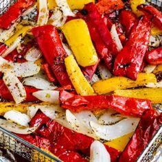 Cucumber Recipes, Salad Recipes, Keto Recipes, Cheesy Zucchini Bake, How To Cook Greens, Ground Beef Stroganoff, Recipe For Mom, Caprese Salad, Chicken Recipes