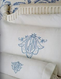 My friend, Jane Scott Hodges, knows a thing or two about linens! In her new book Linens ,the founder and owner of Leontine Linens sha. Monogram Fonts, Monogram Letters, Monogram Bedding, Leontine Linens, Black Bed Linen, Bed Linen Design, Pink Clutch, Bed Linen Sets, Linen Bedding