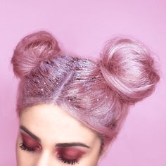 DIY Galactic-Inspired Glittery Hairstyle | 15 New Ways To Wear Glitter, check it out at http://makeuptutorials.com/ways-to-wear-glitter-makeup-tutorials